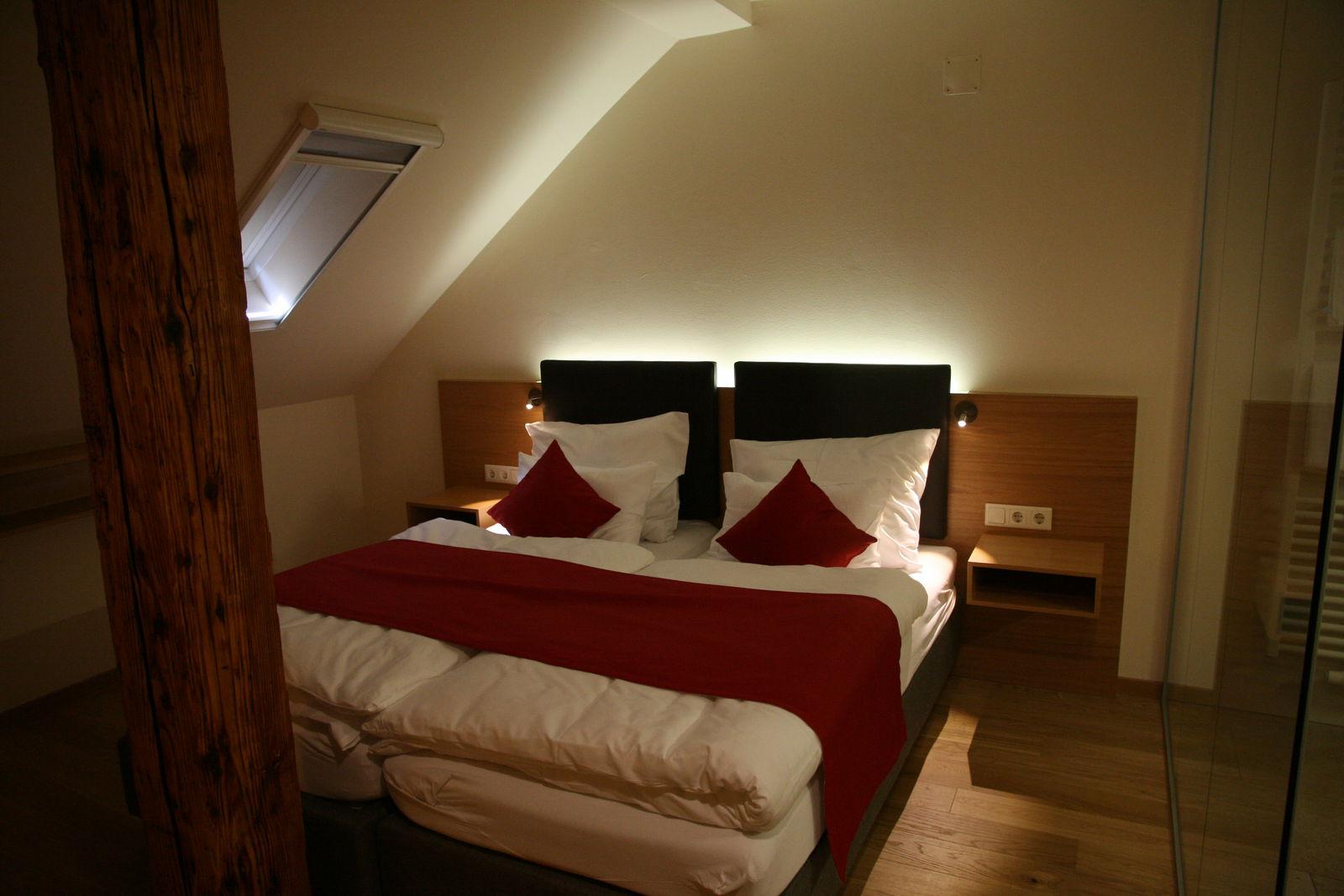 Awesome hotelzimmer design mit indirekter beleuchtung for Hotelzimmer design